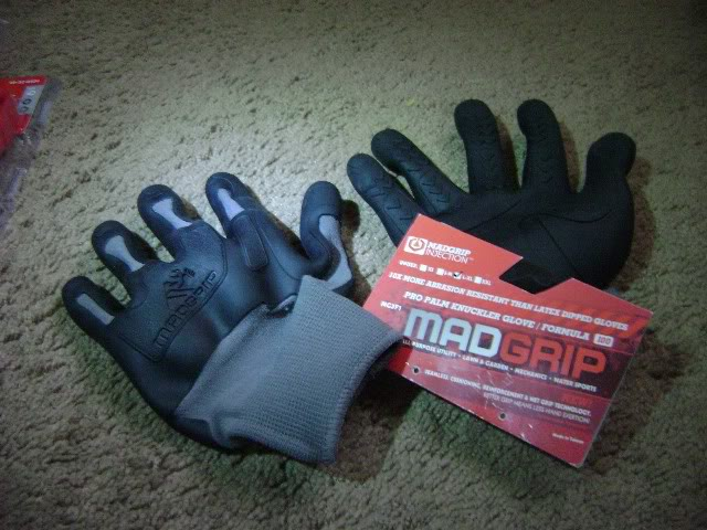 mad grip gloves